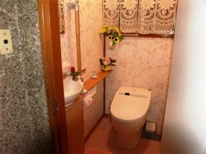 タンクレス・手洗い器付きトイレ 施工後