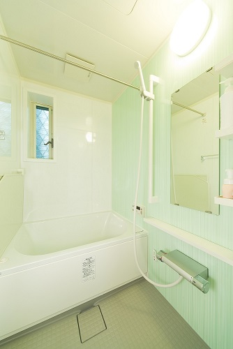 狭小住宅への採光とペットとの共生 東京都 浴室施工後