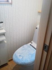 トイレ壁紙貼り替え