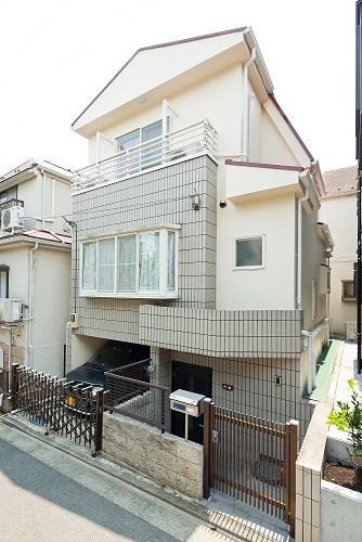 狭小住宅への採光とペットとの共生 東京都 外壁施工後