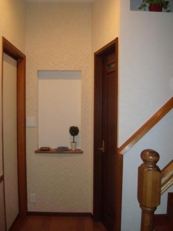 2×4住宅 1階全面改装 トイレ入口 エコカラット 施工後
