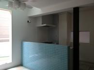 狭小住宅への採光とペットとの共生 東京都 LDKキッチンタイル施工後